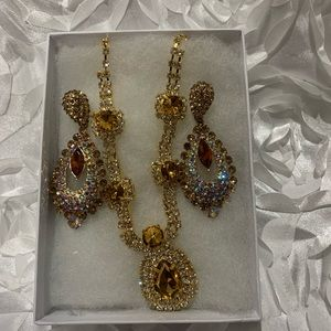 Accessories - Necklace and earring set